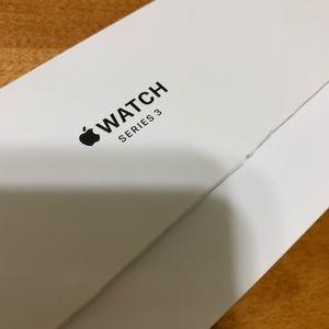Brand New Never Worn Apple Watch 3